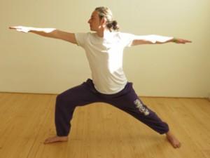 heldenhouding hatha yoga virabhadrasana